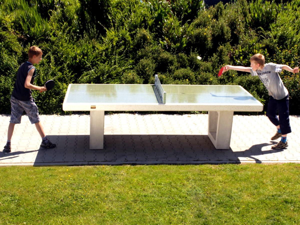 Tischtennisplatten im Freien